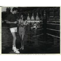 1984 Press Photo Couple enjoying a hotel resort at Walt Disney World - mja98979
