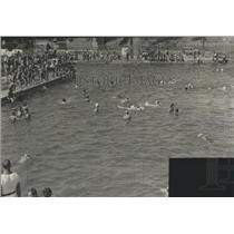 1940 Press Photo Swimming at McCormick Island, Missoula Montana - spa87634