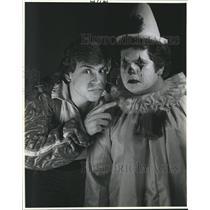 "1984 Press Photo David Bernard and Steve Dupre reversing for ""Pagliacci"""