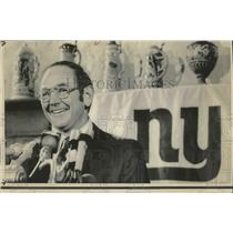1974 Press Photo New York Giants Head Football Coach Bill Arnsparger Speaking