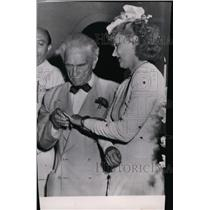 1948 Press Photo Bernarr MacFadden during his wedding - spw07173