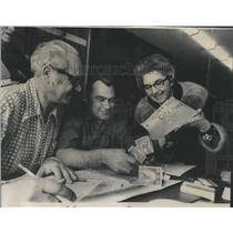 1971 Press Photo Tornado Cary Illinois wracked George- RSA30883