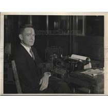 1931 Press Photo Linton Wells-globe girdler joins International News Service
