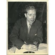 1936 Press Photo Ace War Correspondent Hubert Knickerbocker on leave - sba23808