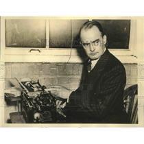 1937 Press Photo William K. Hutchinson, International News Correspondent