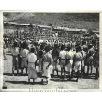 1942 Press Photo New Guinea natives are standing amazed watching civilized sport