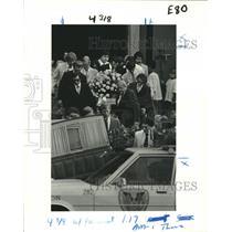 1982 Press Photo Memorial services for Robert Giancontieri's wife & children