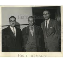 1957 Press Photo Attorney Dale Phillips & members of the Milwaukee NAACP