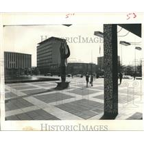 1967 Press Photo Immigrant Girls & Modern Architecture in Canberra, Australia.