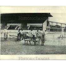 1921 Press Photo Golf course in middle of racetrack at the Fair Grounds