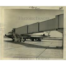 1965 Press Photo Eastern Airlines - Jet and Extendable Covered Ramp, New Orleans