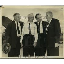 1957 Press Photo James R. Durfee with fellow Eastern Airlines passengers