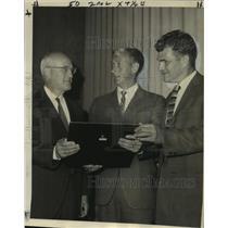 1969 Press Photo Ronald Diggins Receives FAA Extraordinary Service Award