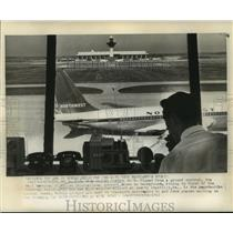1962 Press Photo View of Dulles International Airport from Ground Control Room