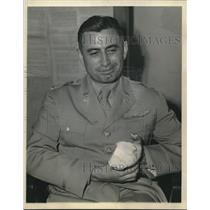 1943 Press Photo Colonel William Lovelace made the highest parachute jump