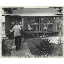 1966 Press Photo Medicine Man, McGhee, returns to home with herbs, Alabama