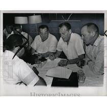 1964 Press Photo Ford-UAW negotiations - RRY72337