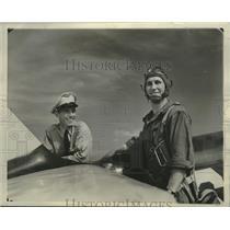 1941 Press Photo Cadet Victor Woodrick and David Matt landed the plane safely