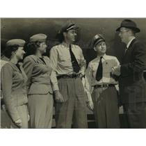 1952 Press Photo TWA officials and flight crew at Albany, New York airport