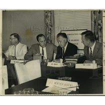 1964 Press Photo Civil Aeronautics Board investigate Eastern Air Lines crash