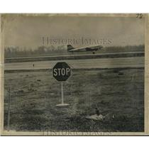 1966 Press Photo Radioactive cargo roped off, New Orleans International Airport