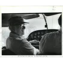 1981 Press Photo Glenn Messer, aviator, at controls of his plane - abna16006