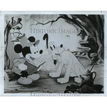 1979 Press Photo Mickey Mouse and Pluto. - mjp10297