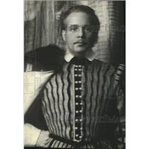 "1930 Press Photo Alfred Lunt in ""Elizabeth the Queen"" - lrz00544"