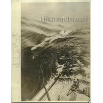 1917 Press Photo A Steel Shark Torpedo is Running on the Water Surface