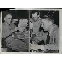 1943 Press Photo William V Ryan Testifies Before Truman Senate Committee