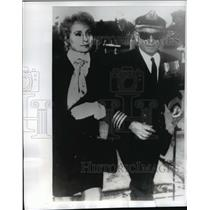 1969 Press Photo Captain John Stevenson and wife arrive at his Court Martial