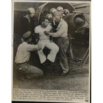 1947 Press Photo Sailors Become Guinea Pigs to Test Vibration Effect of Jet Unit