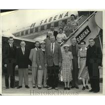 1958 Press Photo Dr. Alphonee Popek & group on Sabena Belgian World Airlines