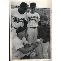 1964 Press Photo Wayne Cook Baseball Denver Bears - RRQ08343