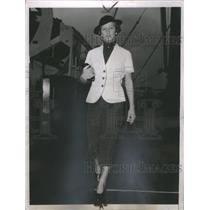 1936 Press Photo Helen Jacobs American Tennis Player - RRQ05223