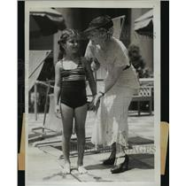 1934 Press Photo Madame Sylvia and Baby Joan Spend Days Vacation in Los Angeles