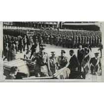 1938 Press Photo Italy, King Victor Emmanuel & Prince Humberto with soldiers