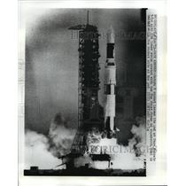 1973 Press Photo Saturn V Rocket Frost Trail From Taking Off at Cape Kennedy