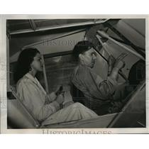 1940 Press Photo Instructor gives orders to students in U.S. Flying School