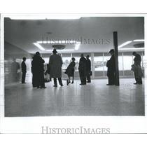 1962 Press Photo People wait at Birmingham Municipal airport - abna25490