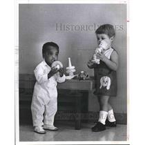 1971 Press Photo Two children from the DePelchin Faith Home - hca20578
