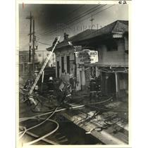 1980 Press Photo New Orleans Firemen battle a 3-alarm fire 1800 block of Tulane