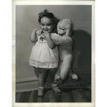 1941 Press Photo White Monkey Doll as tall as the toddler - nem57758