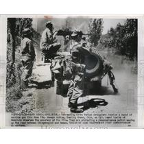 1940 Press Photo Retreating Borth Korean straggler machine gunned - nem57519