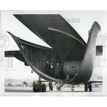 1954 Press Photo Rear view of the Beverly with the tail boom open - KSB46119