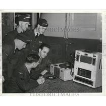 1941 Press Photo British Cadets listen to their voices played on phonograph