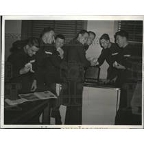 1941 Press Photo Flying Cadets gets free Ice Cream at Kelly Field - nem58837