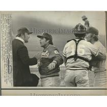 1974 Press Photo Royals Manager Yelling At Ump Players - RRQ23977