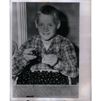 1961 Press Photo Johnny Oswald Disneyland leukemia - DFPD61223