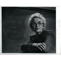 1982 Press Photo Esther Shapiro - DFPD51611